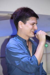Kuya Manzano Singer